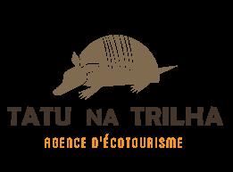 TATUNATRILHA FR logo color rodape - L'agence d'écotourisme Tatu na Trilha